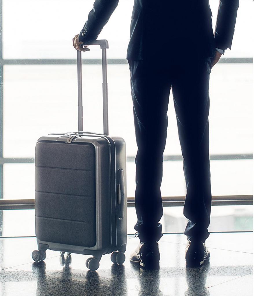 RunMi-90-Commercial-Suitcase-Titanium-Gray-220.jpg